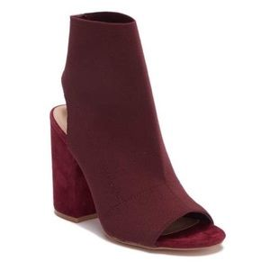 NWOT Steve Madden Fair Stretch Booties Burgundy 9